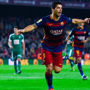 BARCELONA, SPAIN - OCTOBER 25: Luis Suarez of FC Barcelona celebrates after scoring his team's third goal during the La Liga match between FC Barcelona and SD Eibar at Camp Nou on October 25, 2015 in Barcelona, Spain. (Photo by David Ramos/Getty Images)