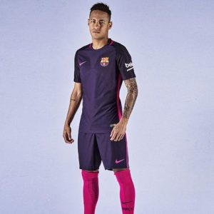 neymar-wearing-the-barcelona-2016